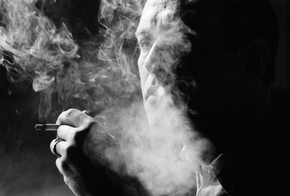 Ένα τσιγάρο δρόμος.
